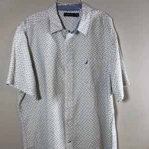 🎈 Nautica Short Sleeve Button Up Shirt